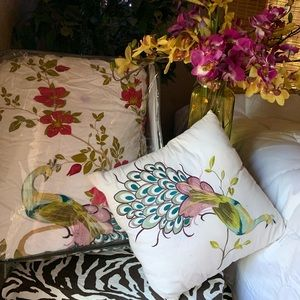 Nicole Miller full/queen comforter and pillow